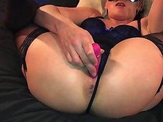 Blue burlesque beauty with an ass so nice I had to cum twice!