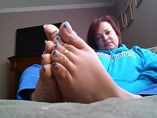 Her latina feet will make you CUM