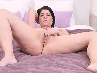 mommy wants a good fuck