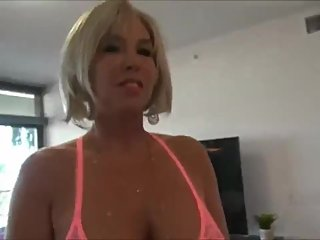 Shameless mature woman with hot body likes rough fuck