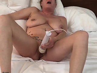Big tit mom cums on vibrator then fucks her pussy with a dildo