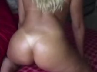 Blonde twerking her fat ass