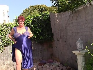 Big Tit Aunt Makes Video to Jerk Off