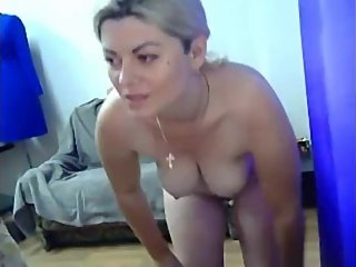 ukrainian webcam milf ivanna have fun in office