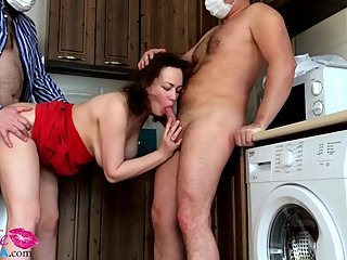 Sexy Milf Sensual Sucking Cock and Hard Doggystyle - Amateur Orgy