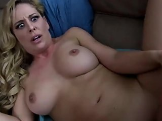 Naughty MILF with hot body gets her tight pussy filled up with cum