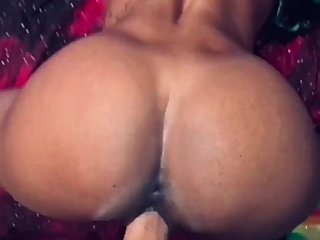 Sexy Petite Ebony MILF & I Have Fun