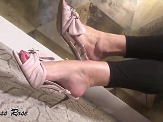 Shoe dangling, big caucasian feet by Goddess Rose