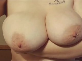40DDD natural tits bouncing about!
