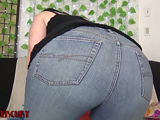 Gassy MILF Farts In Jeans