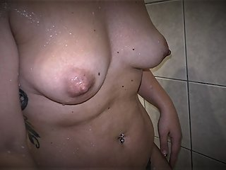 EBP VIP 9 - HORNY BONNIE MILF GOES CRAZY AFTER SHOWER