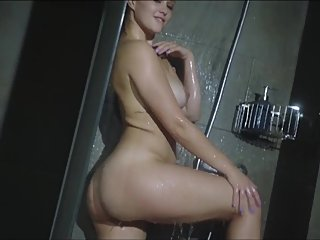 WOW SEXIEST TEEN SHOWER I HAVE EVER SEEN