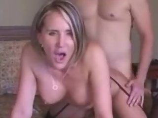 Dirty Talking Milf Won't Shut Up While Being Fucked