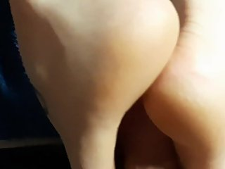 Thick milf milks my cock with her sexy tattooed feet. Cumshot.